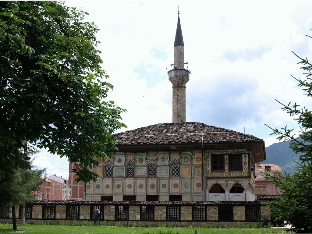 """""""Tetovo Bunte Moschee"""" од Vaurien. Под лиценцата CC BY-SA 3.0 преку Ризницата - httpscommons.wikimedia.orgwikiFileTetovo_Bunte_Moschee.jpg#mediaFileTetovo_Bunte_Moschee"""