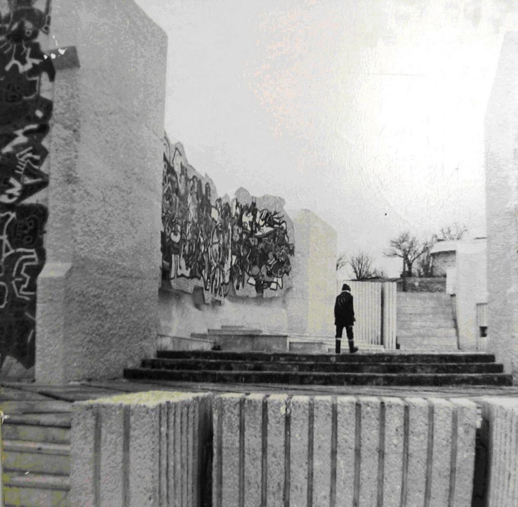 Споменик на слободата_3