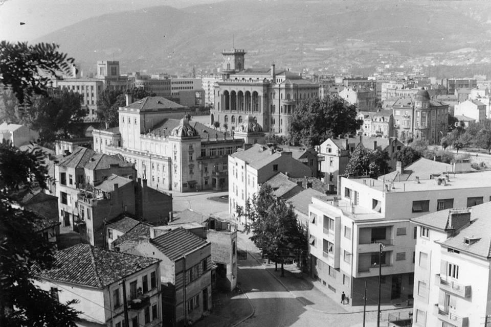 Naroden teatar Skopje 2.jpg