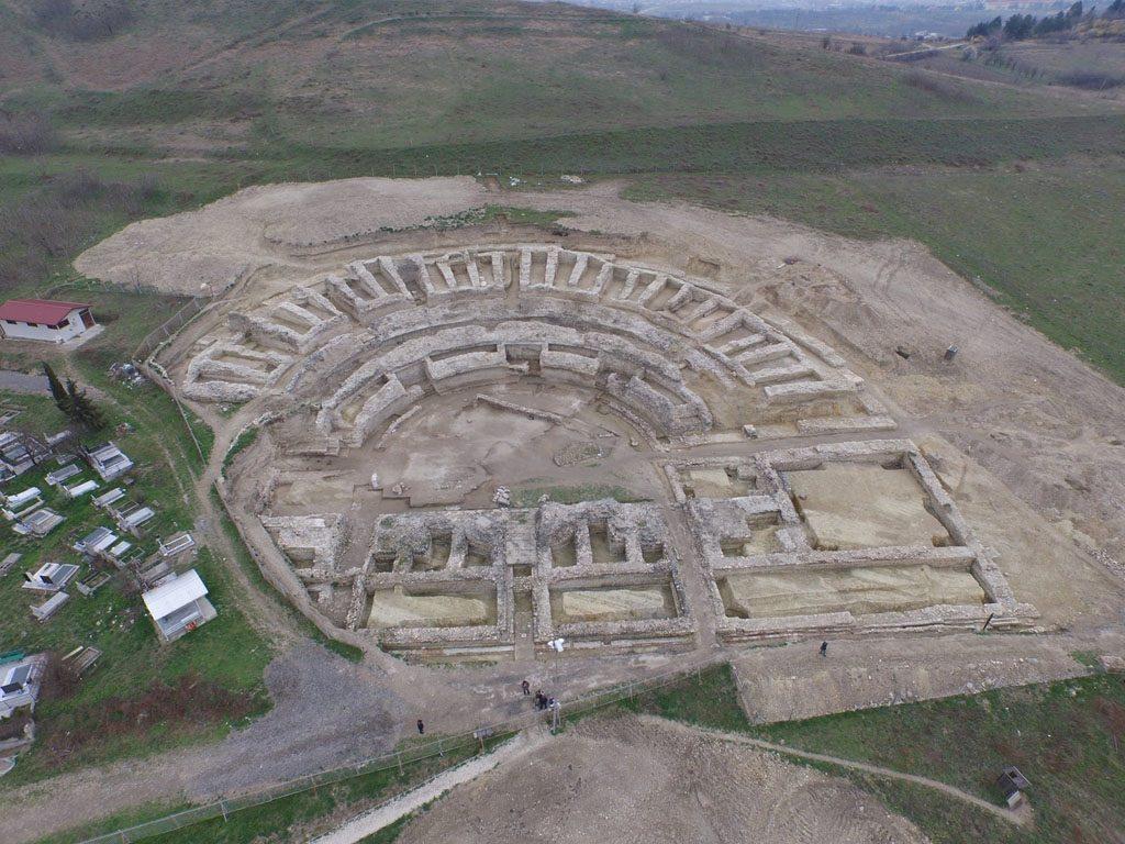 285477-otkrieni-se-site-tajni-na-antichkiot-teatar-vo-skupi